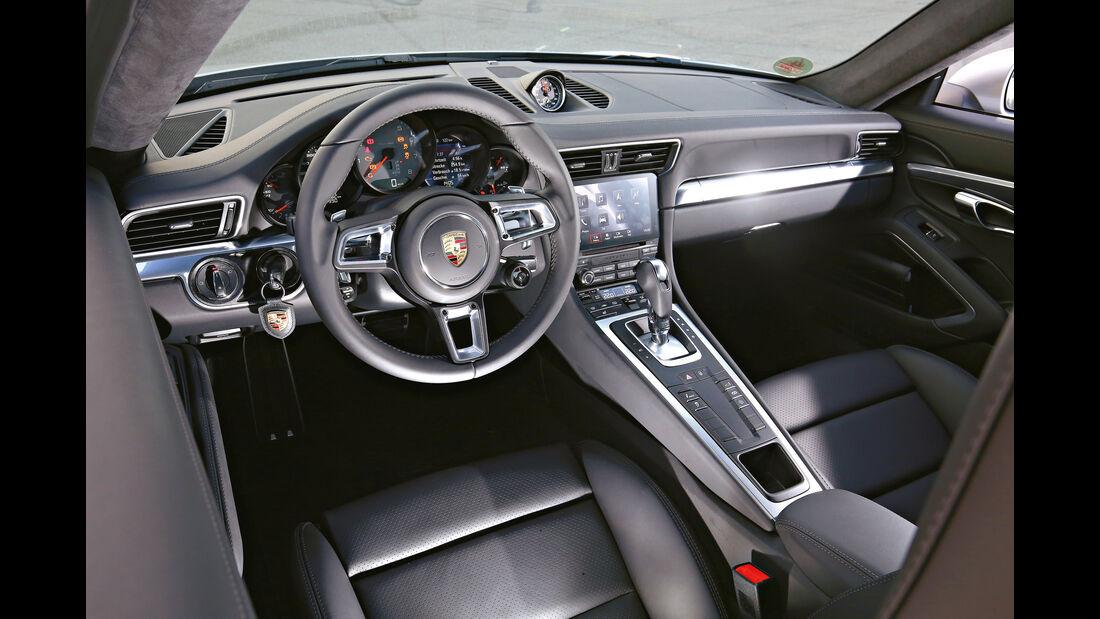 Porsche 911 Carrera S, Cockpit