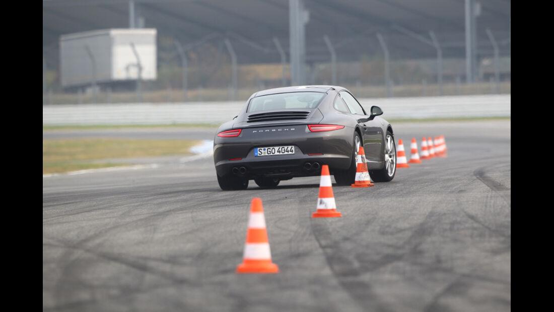 Porsche 911 Carrera S, Heck, Slalom