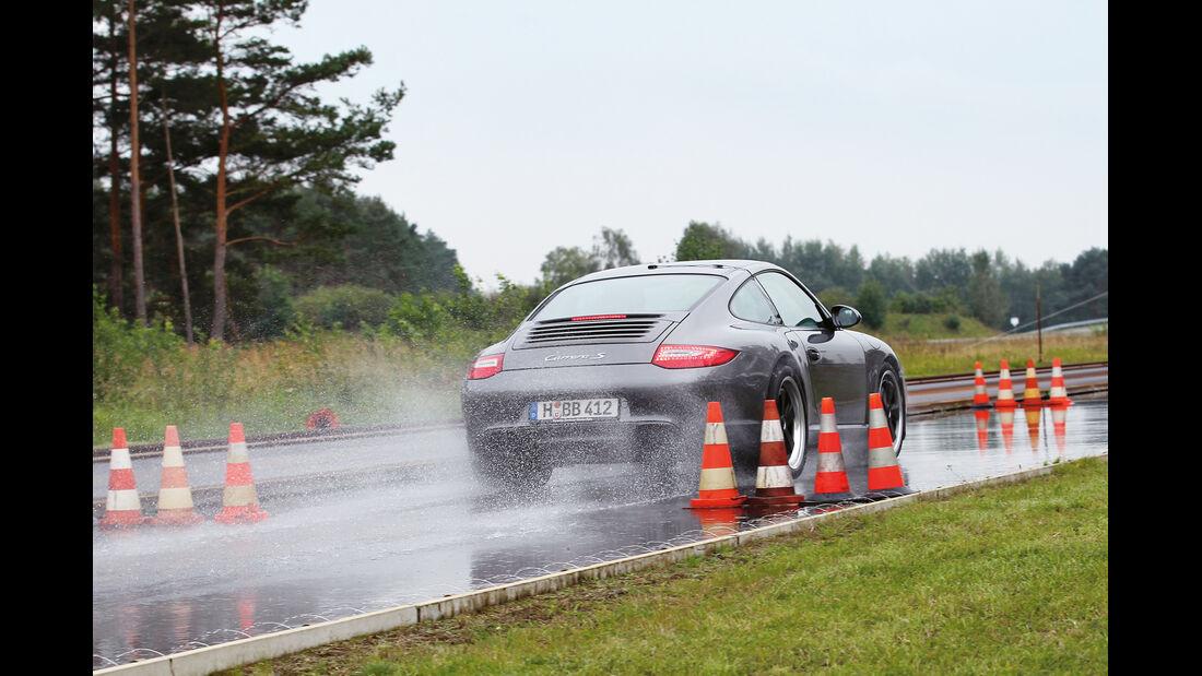 Porsche 911 Carrera S, Nasshandling
