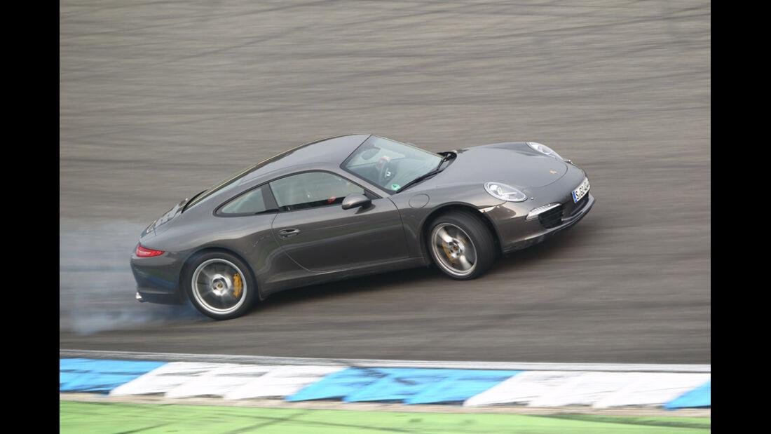 Porsche 911 Carrera S, Querbeschleunigung