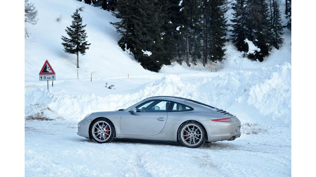 Porsche 911 Carrera S, Seitenansicht, Winterfahrt