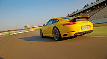 Porsche 911 Carrera S - Supertest - Heftvorschau sport auto 6/2016