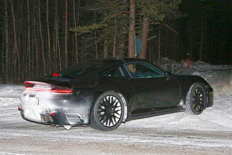 Porsche-911-Erlkoenig-2018-fotoshowBig-d9613fe8-1004706