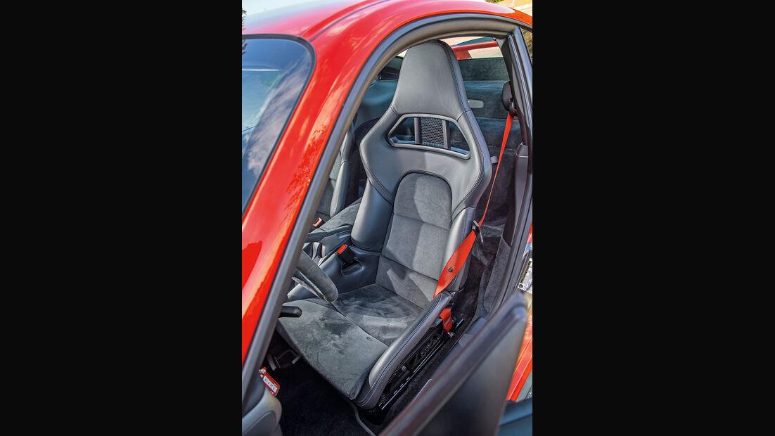 Porsche 911 GT2 RS, Fahrersitz