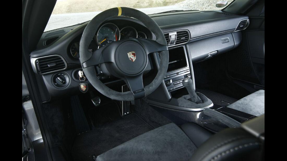 Porsche 911 GT2 RS, Innenraum