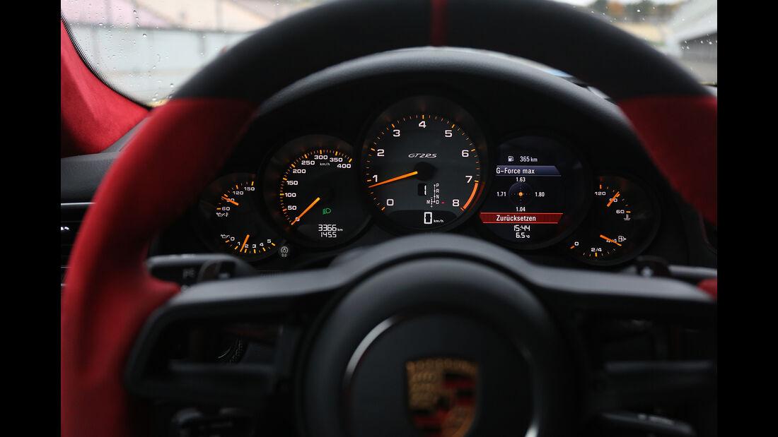 Porsche 911 GT2 RS, Interieur
