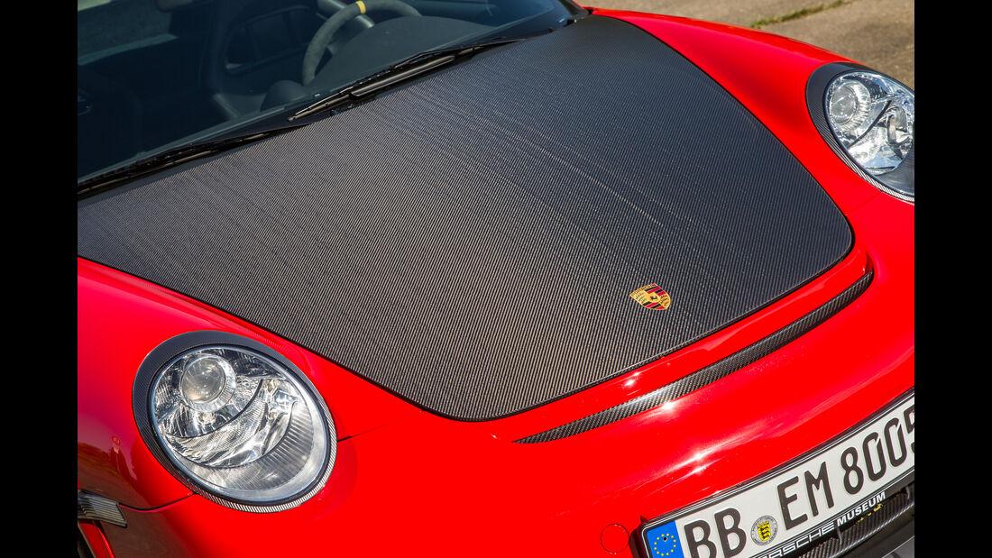 Porsche 911 GT2 RS, Motorhaube