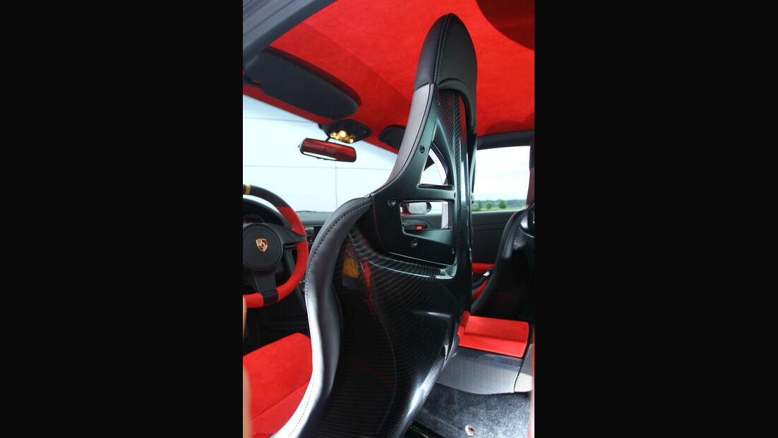 Porsche 911 GT2 RS, Sitz