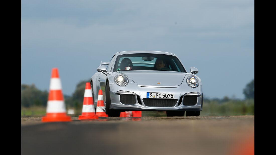 Porsche 911 GT3, Frontansicht, Slalom