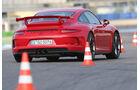 Porsche 911 GT3, Heckansicht, Slalom