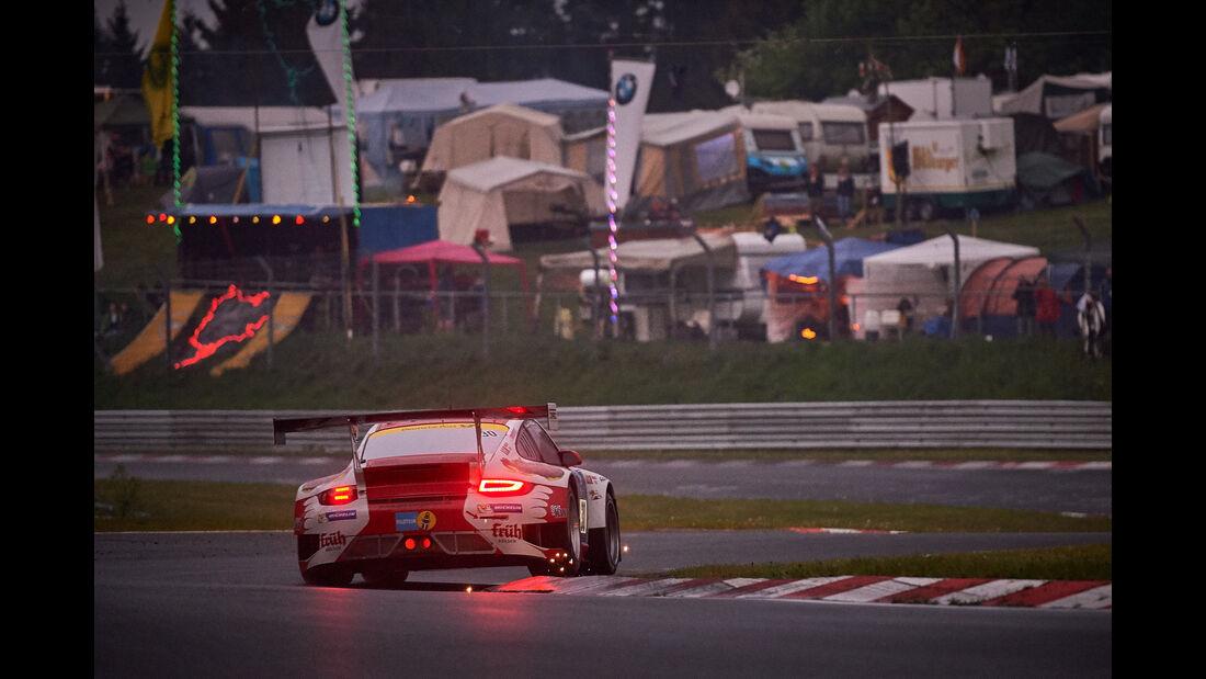 Porsche 911 GT3 R - Frikadelli Racing Team - #30 - Bewerber/Fahrer: Sabine Schmitz, Patrick Huisman, Patrick Pilet, Jörg Bergmeister - 24h Nürburgring  - Donnerstag - 1. Qualifying - 14.5.2015