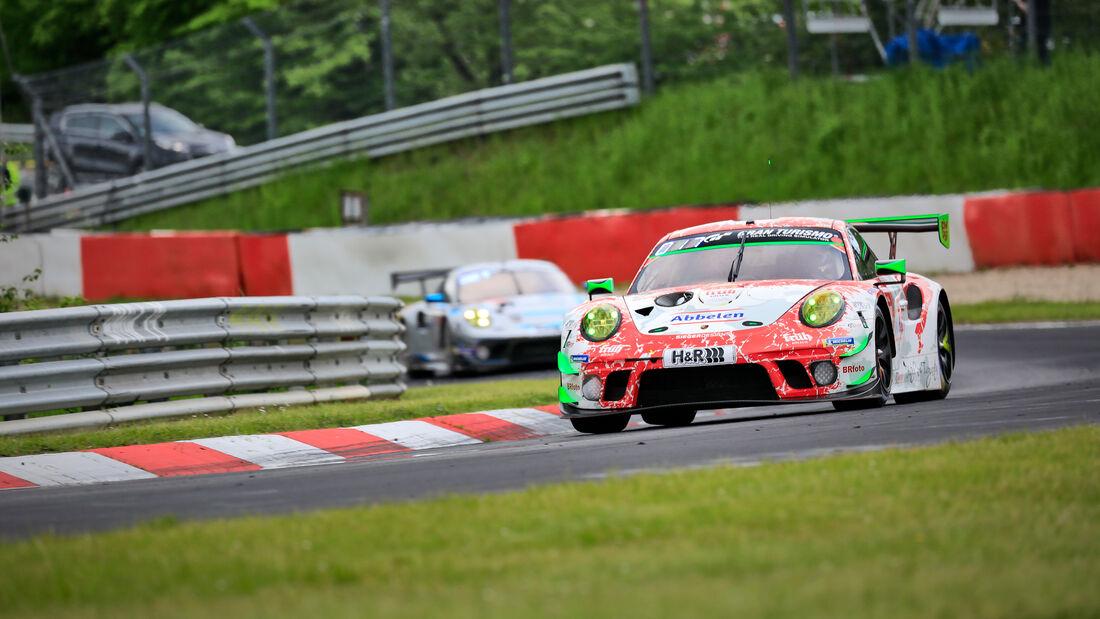 Porsche 911 GT3 R - Frikadelli Racing Team - Startnummer #30 - Klasse: SP 9 (FIA-GT3) - 24h-Rennen - Nürburgring - Nordschleife - 03. - 06. Juni 2021