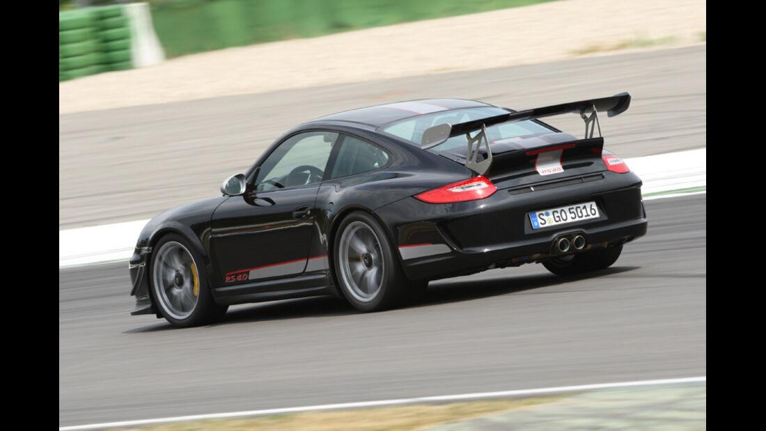 Porsche 911 GT3 RS 4.0, Rückansicht, Rennstrecke