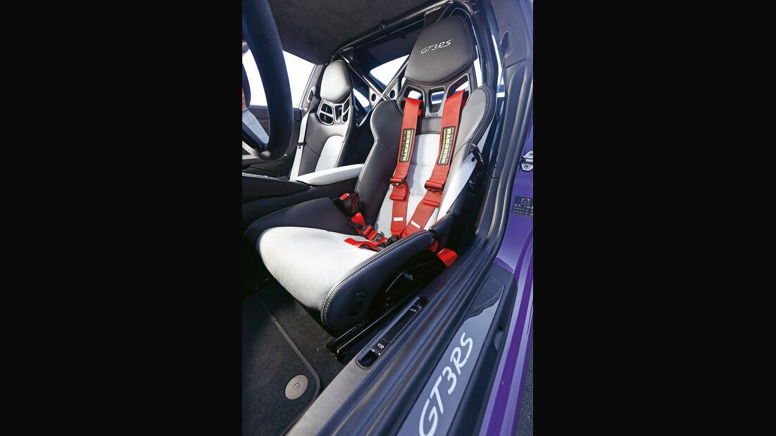 Porsche 911 GT3 RS, Fahrersitz