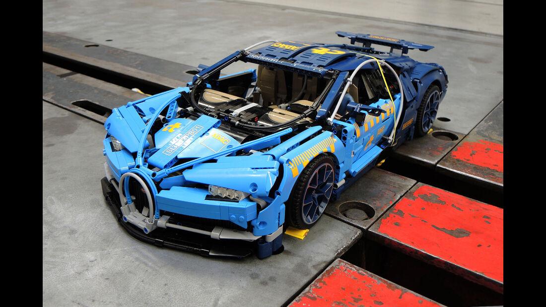Porsche 911 GT3 RS Lego Crashtest gegen Bugatti Chiron