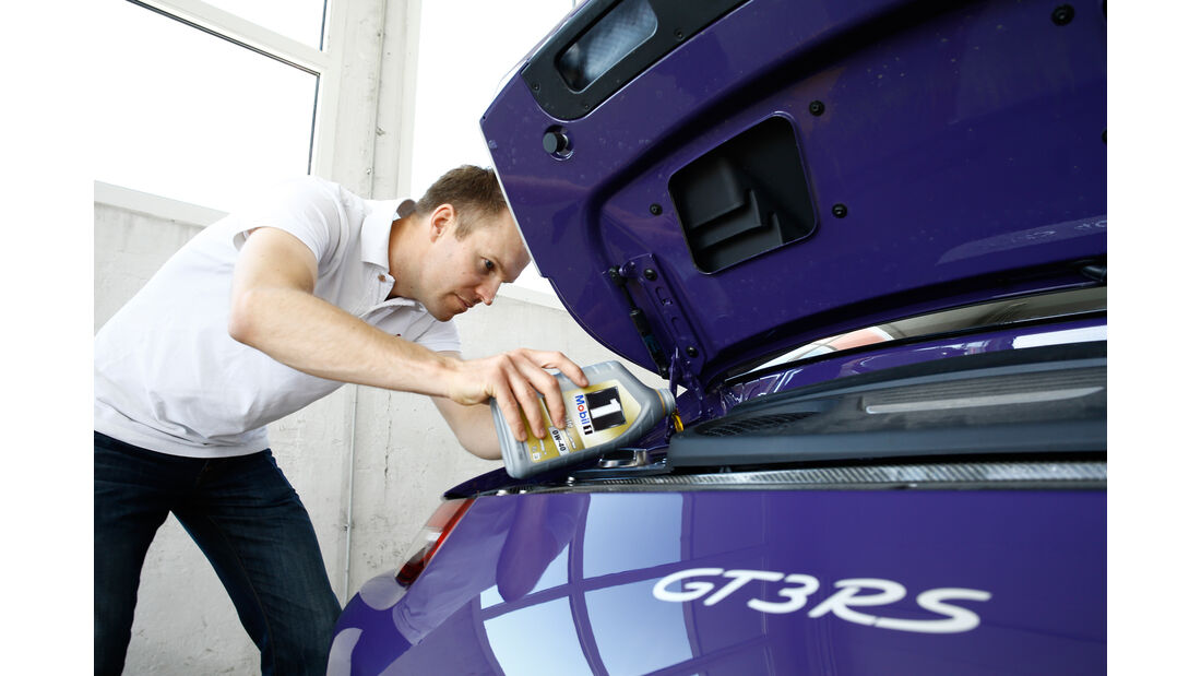 Porsche 911 GT3 RS, Öl, Nachfüllen