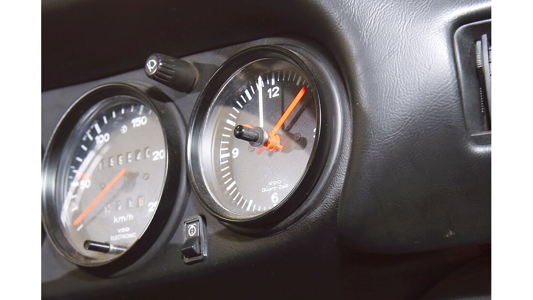 Porsche 911, Rundinstrumente, Zeituhr