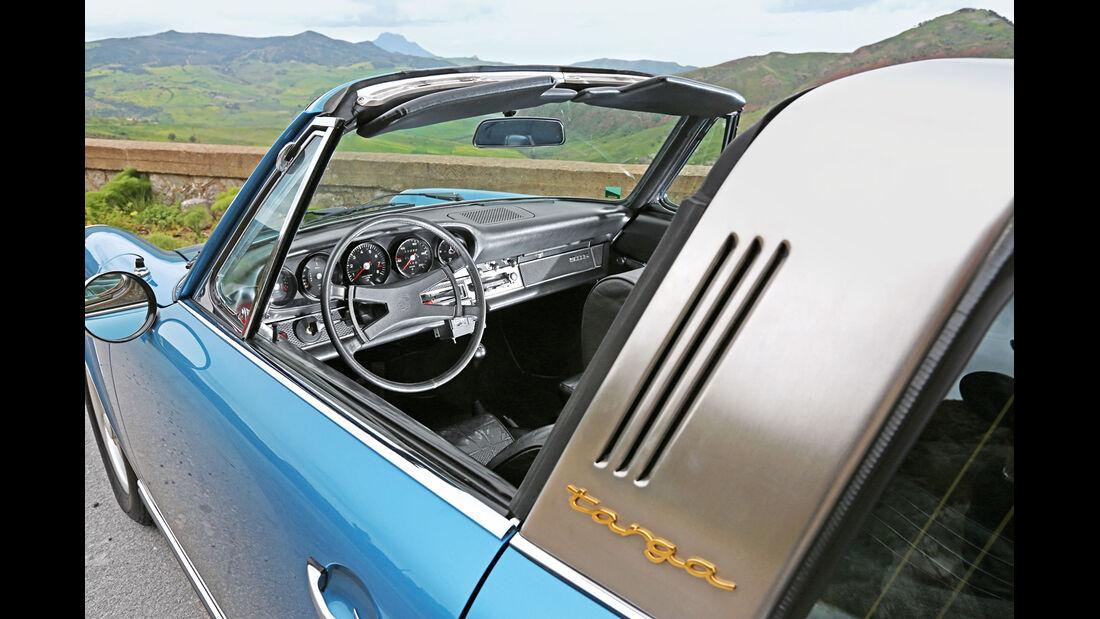 Porsche 911 S 2.2 Targa, Cockpit
