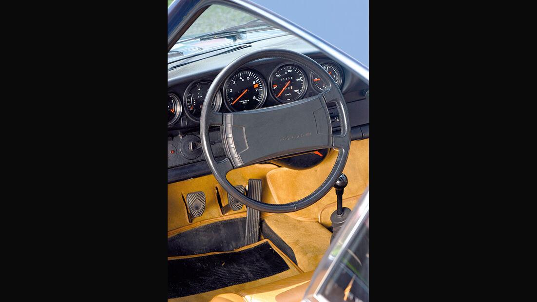 Porsche 911 S, Cockpit