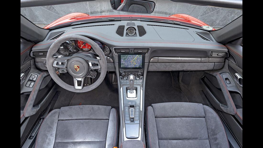 Porsche 911 Targa 4 GTS, Cockpit