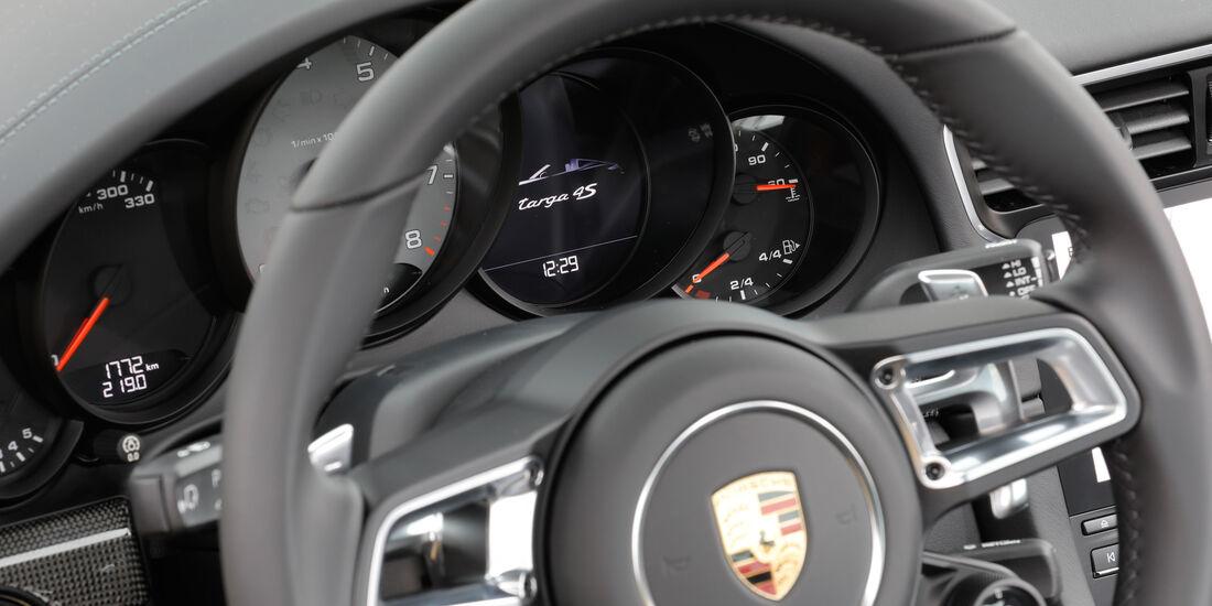 Porsche 911 Targa 4S, Lenkrad