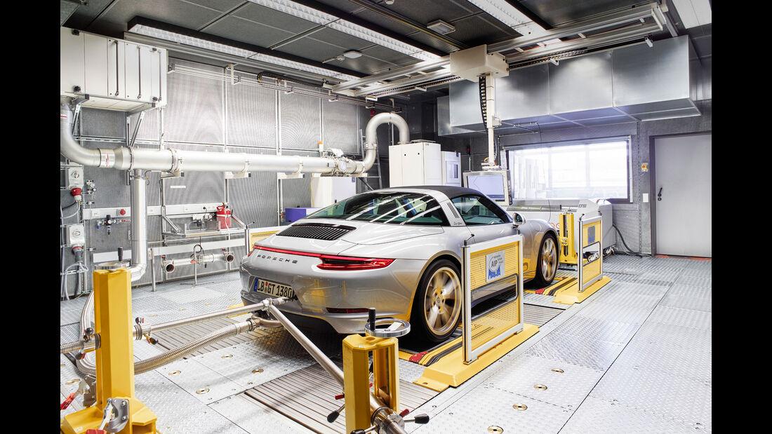 Porsche 911 Targa - Sportwagen - Prüfstand