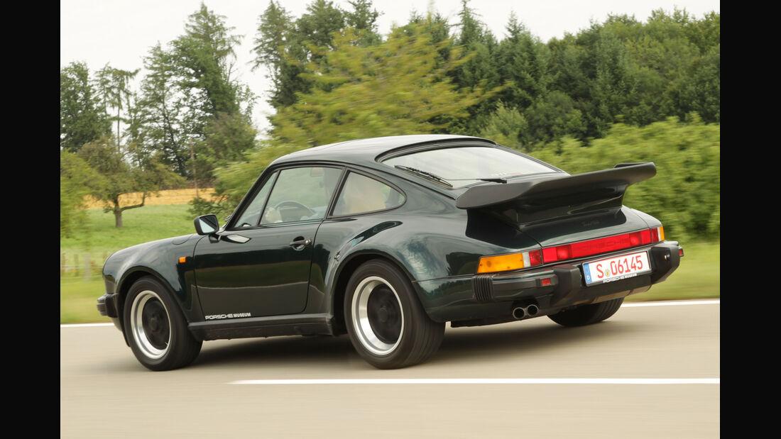 Porsche 911 Turbo 3.3, Heckansicht