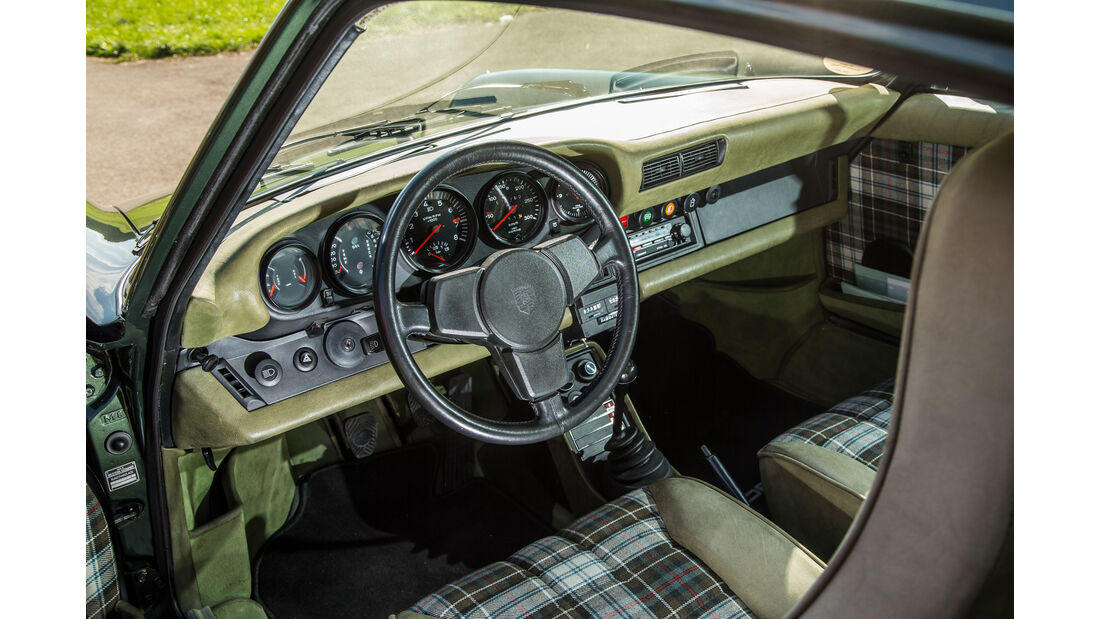 Porsche 911 Turbo (930), Cockpit
