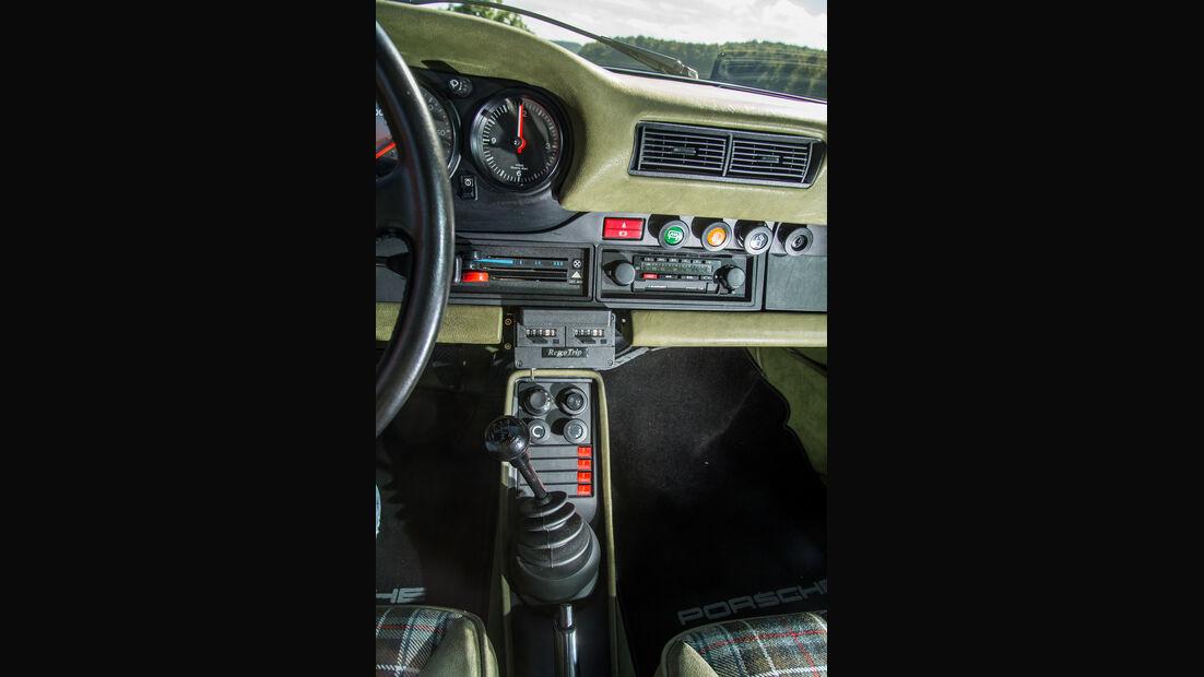 Porsche 911 Turbo (930), Mittelkonsole