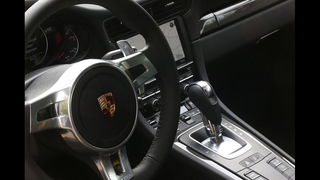 Porsche 911 Turbo, Lenkrad