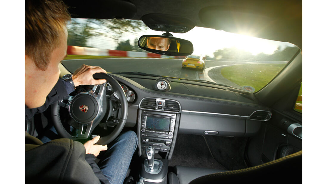 Porsche 911 Turbo, Porsche 911 Turbo S, Cockpit