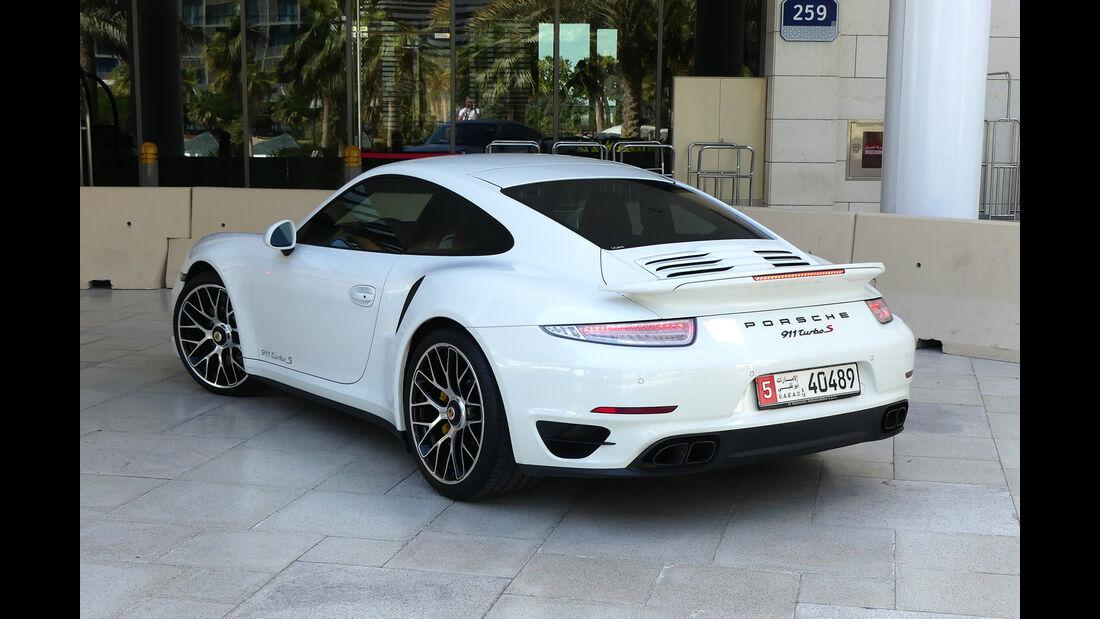 Porsche 911 Turbo S - Carspotting - Abu Dhabi 2017