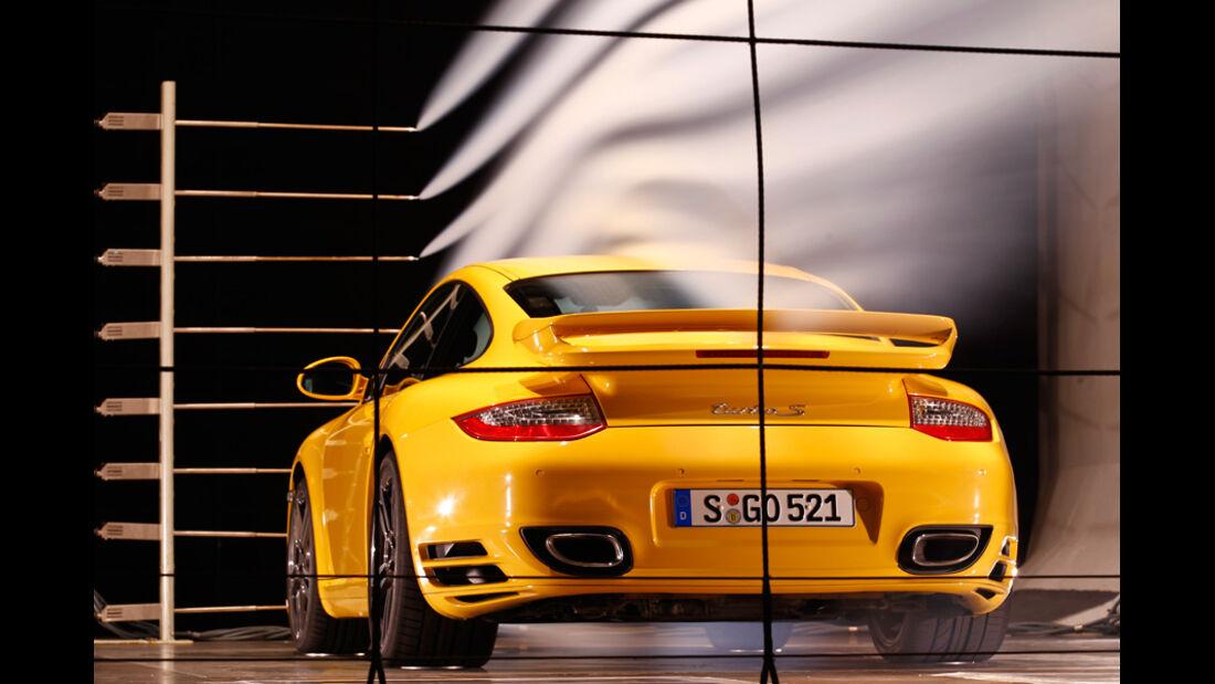 Porsche 911 Turbo S, Heck, Windkanal