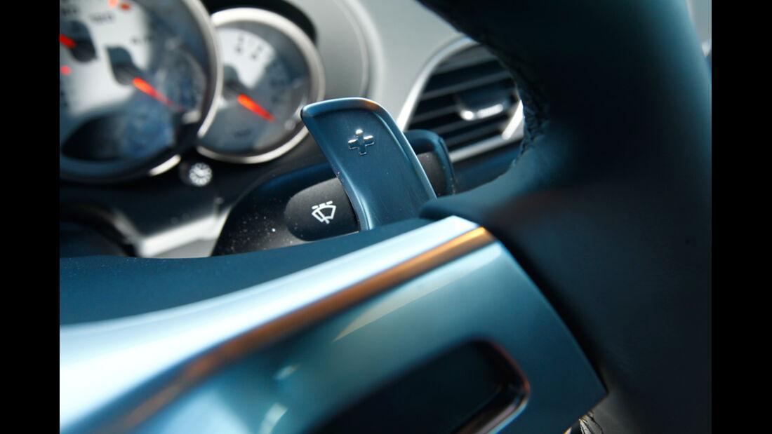Porsche 911 Turbo S, Kippschalter, Lenkrad, Detail