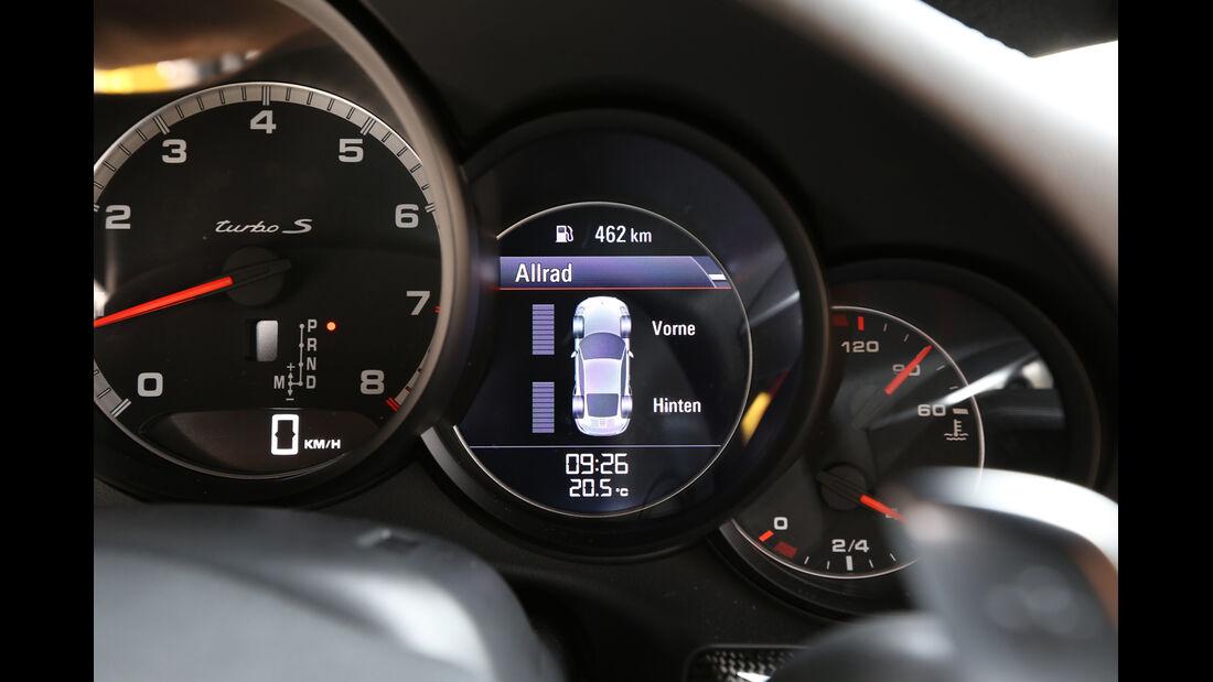 Porsche 911 Turbo S, Rundinstrumente
