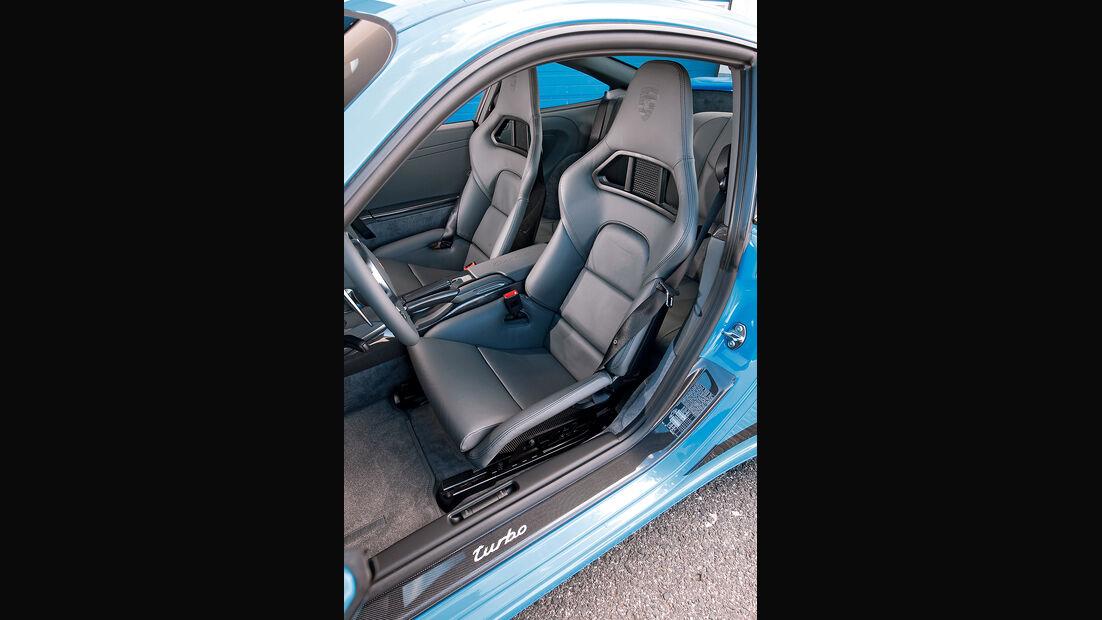 Porsche 911 Turbo, Sitze