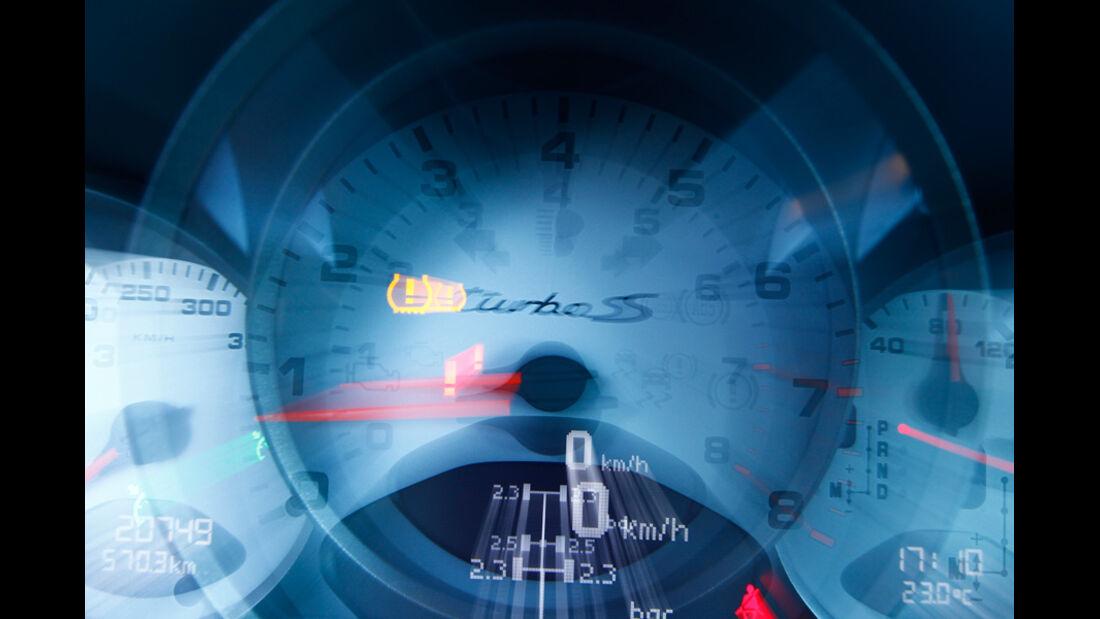 Porsche 911 Turbo, Tacho
