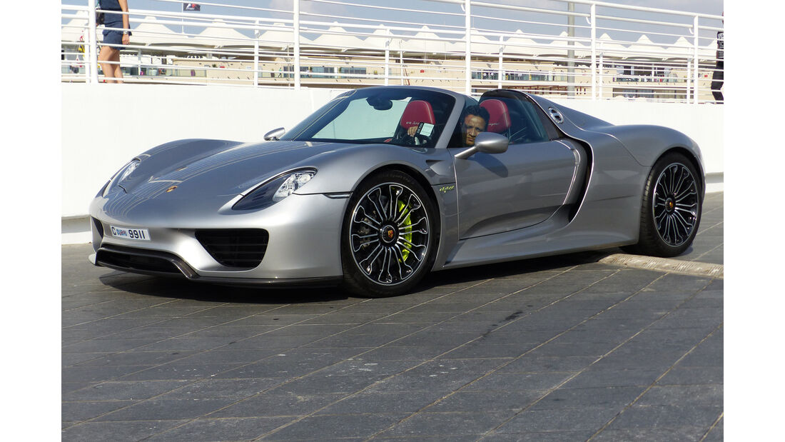 Porsche 918 - GP Abu Dhabi - Carspotting 2015