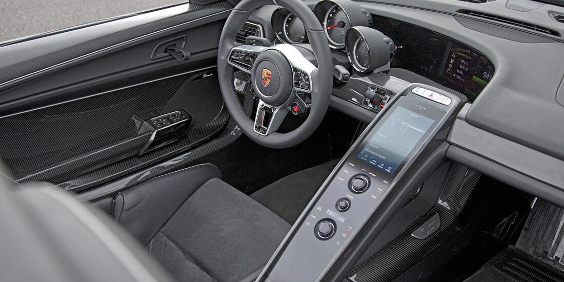 Porsche 918 Spyder, Cockpit, Mittelkonsole