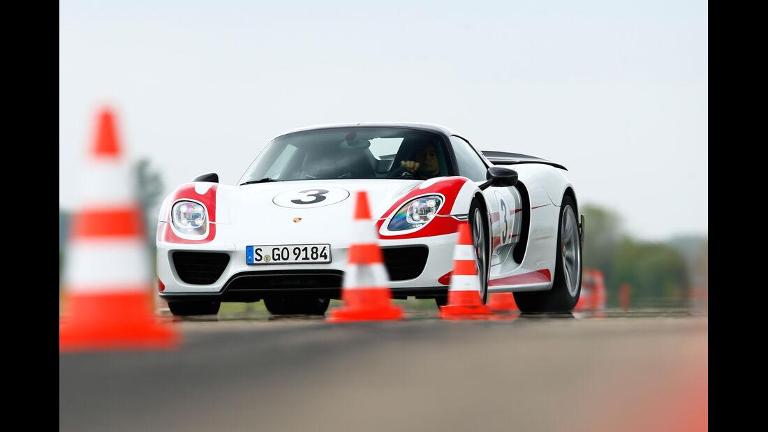 Porsche 918 Spyder, Frontansicht, Slalom