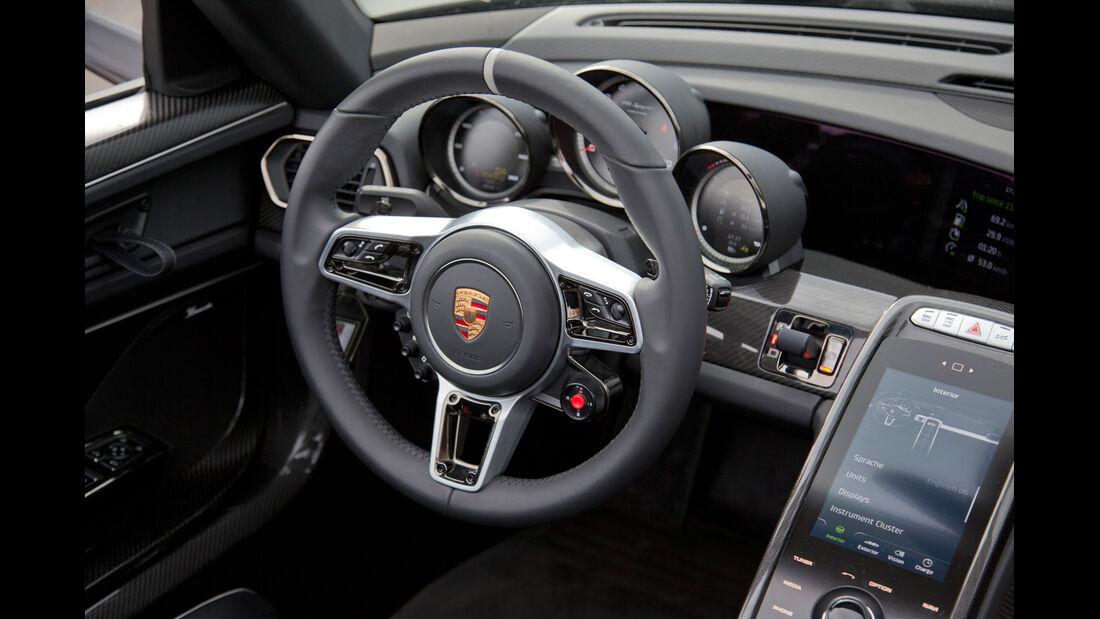 Porsche 918 Spyder, Lenkrad