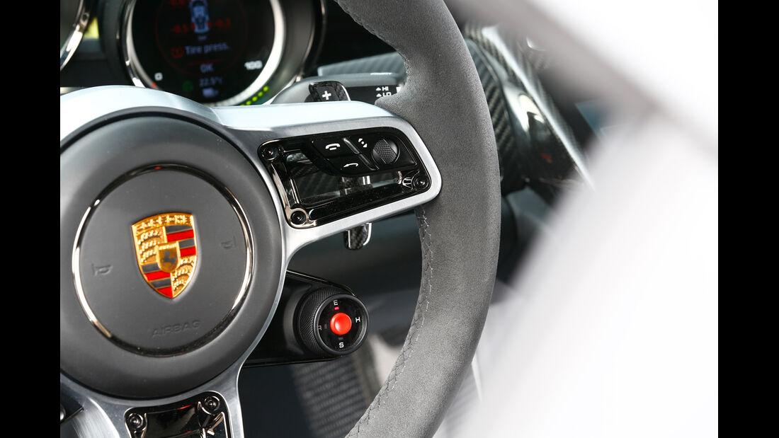 Porsche 918 Spyder, Lenkrad, Bedienelemente