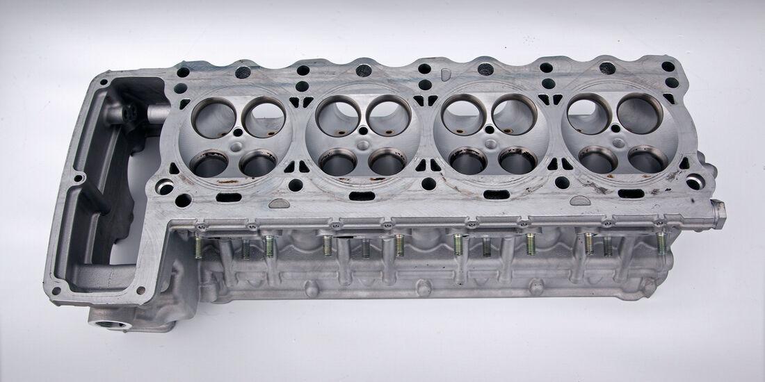 Porsche 918 Spyder, Zylinderkopf