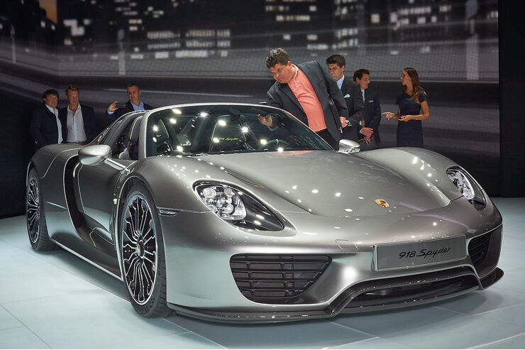 porsche 918 spyder auf der iaa hybrid supersportler mit 887 ps auto motor. Black Bedroom Furniture Sets. Home Design Ideas