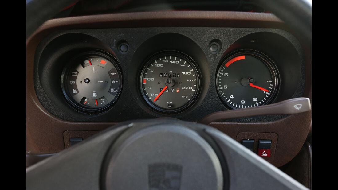 Porsche 924, Rundinstrumente