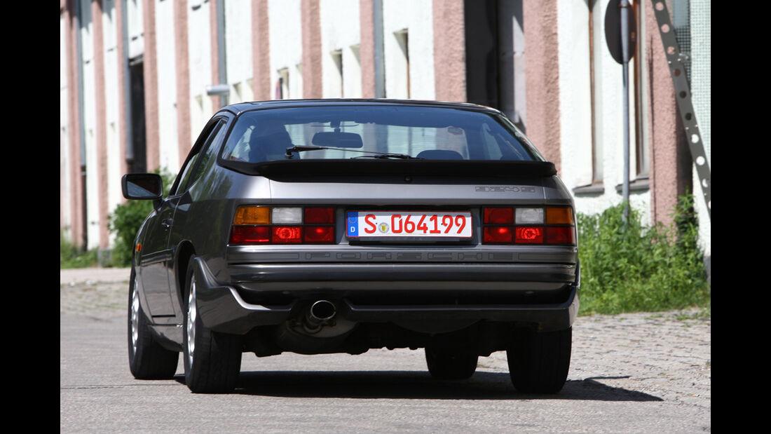 Porsche 924 S mit der Heckschürze vom großen Bruder 944