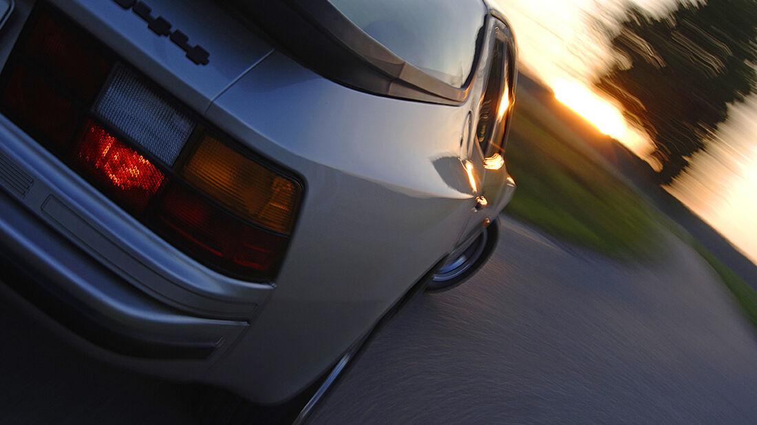 Porsche 944 Heckansicht mit Rückleuchte