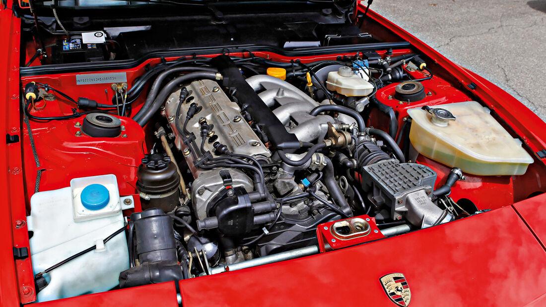 Porsche 944 S2, Motor