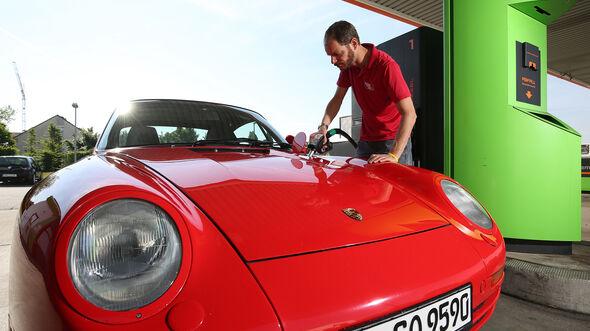 Porsche 959, Exterieur, Tanken