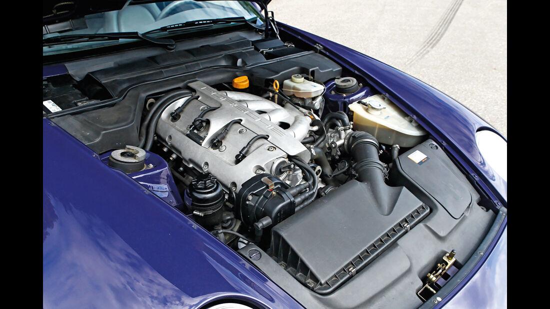 Porsche 968, Motor
